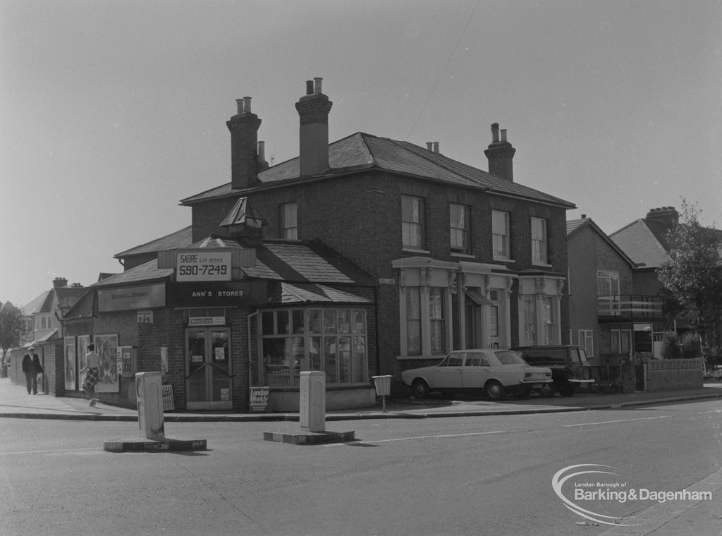 Glindoni's Studios at 132 Mill Lane, Chadwell Heath (currently Ann's Stores), 1974