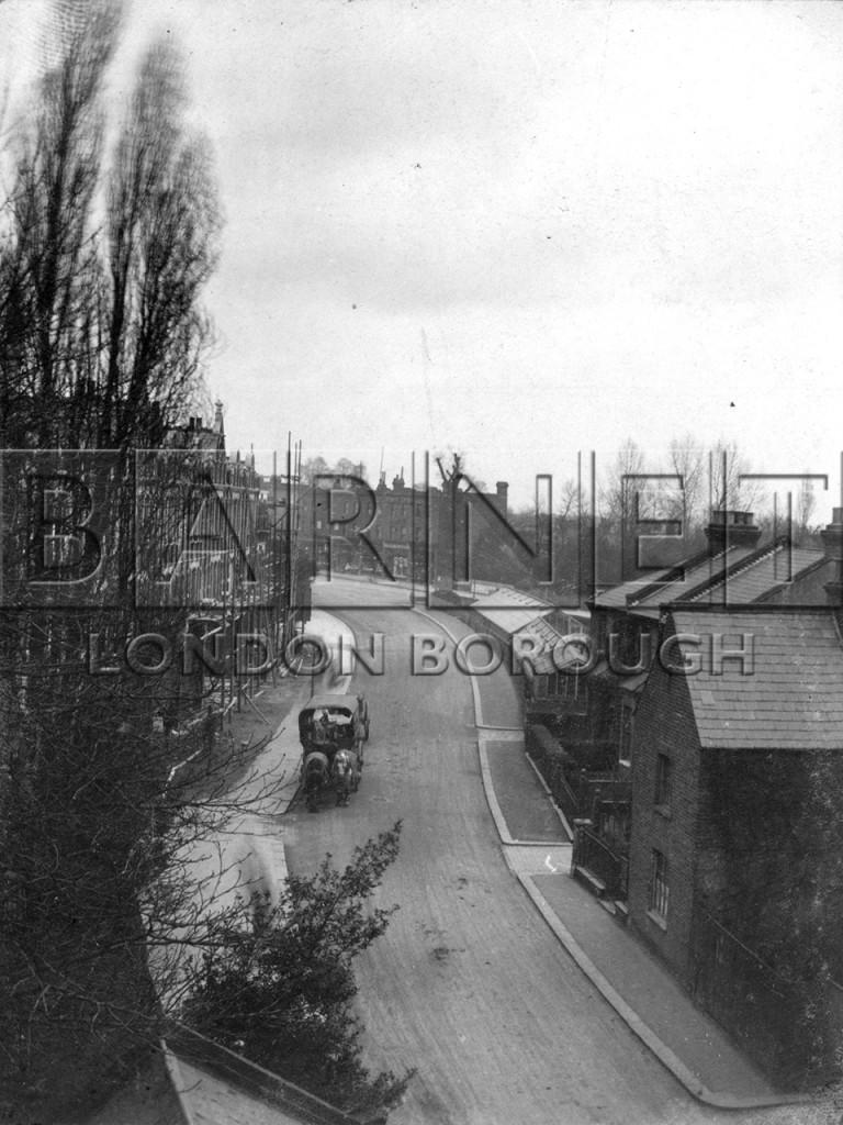 1900  Hendon Lane