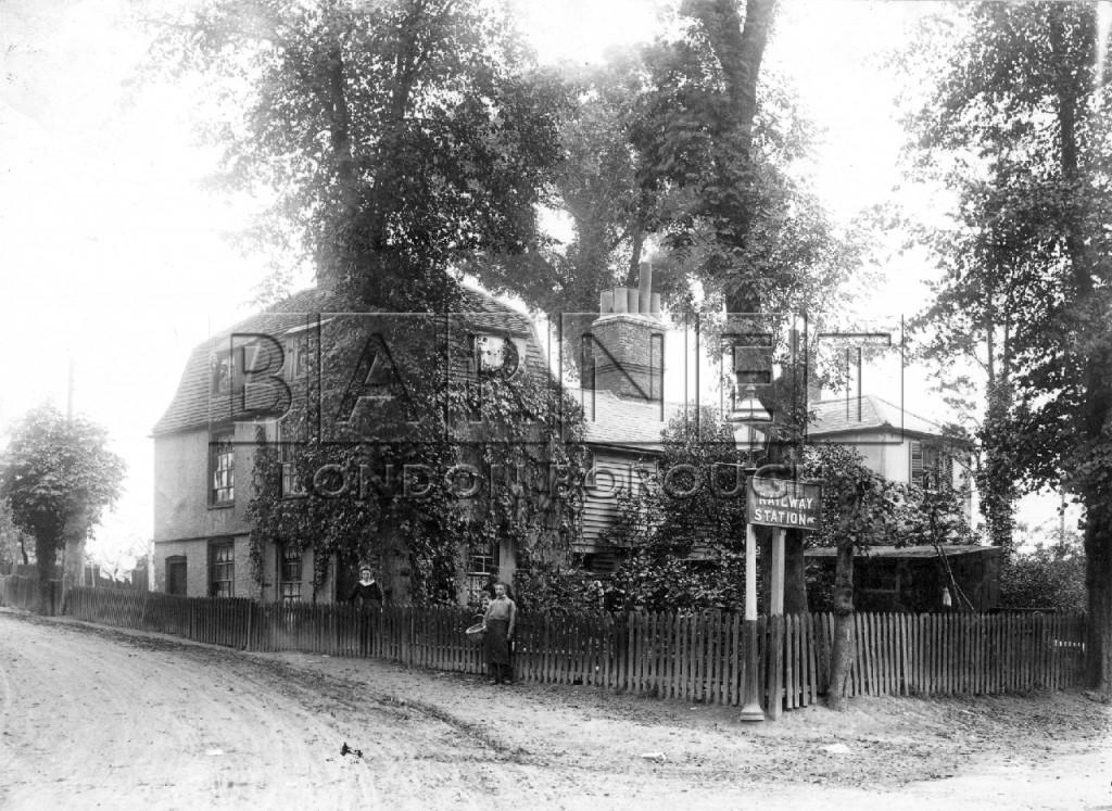 1910  Railway Cottages