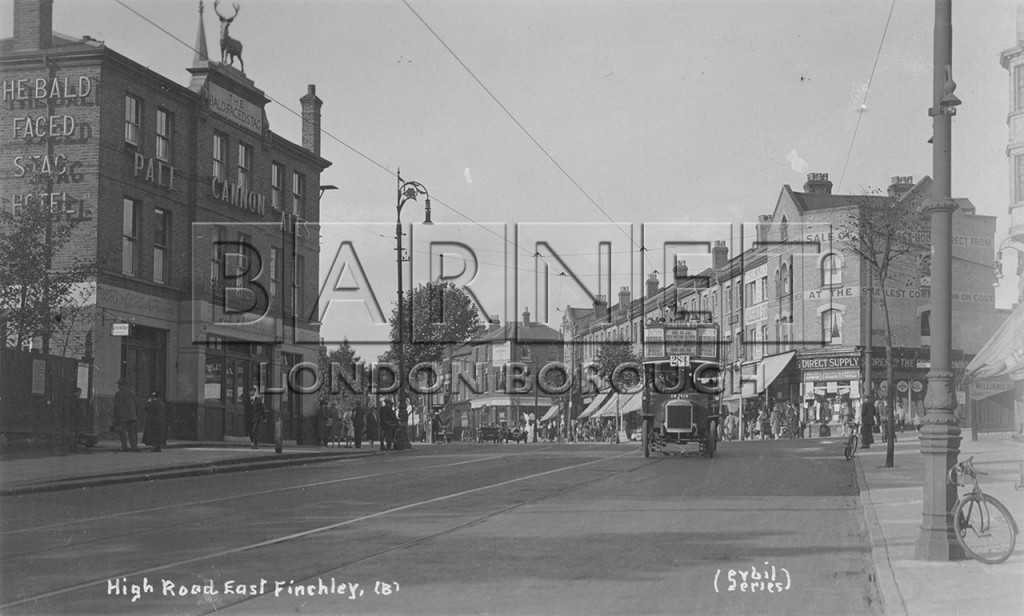 1920 Motorbus 284 passing the Bald Face Stag