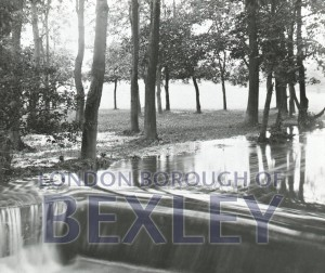 PHBOS_2_92 River Shuttle in flood Upton Roadc1900