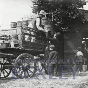PHBOS_2_538 Vinsons farm cart, Belvederec1895