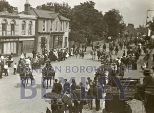 PHBOS_2_825 BexleyGala procession in Broadway 1900
