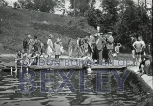 PHBOS_2_920 Martens Grove Recreation Ground's Pool Opening day 1933