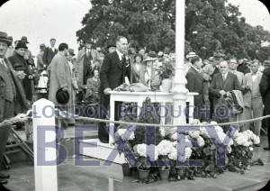 PHBOS_2_946 Bexleyheath Swimming pool opening 1936