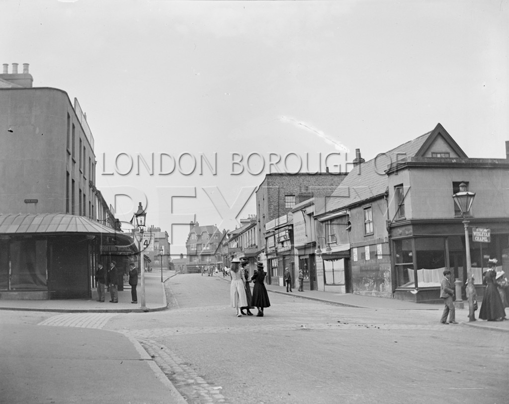 Erith High Street, Junction of Pier Road