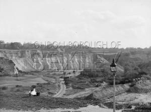 PHRBR_014  Parishes Loam Quarry, Erith