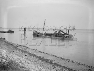 PHRBR_022  Unidentified Shipping Accident on River Thames at Erith