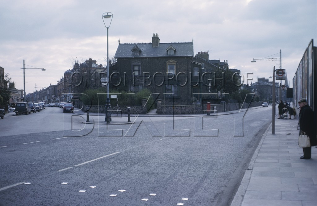 Pier Road and Queen's Road Junction