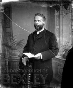DEW010 Formal Portrait of Gentleman c.1900