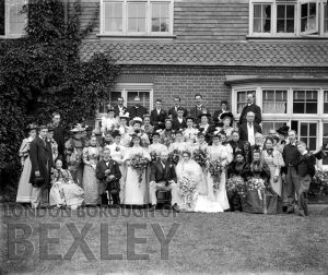 DEW011 Wedding Group, Sidcup c.1900