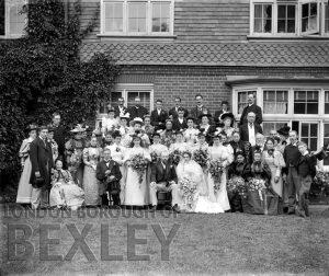 DEW011 Wedding Group, Sidcup c.1900