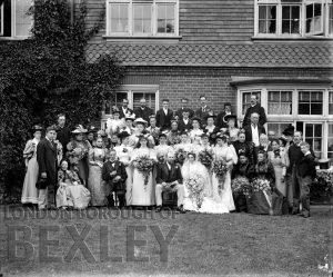 DEW013 Wedding Group, Sidcup c.1900
