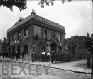 DEW024 The Railway Tavern, Alma Road, Sidcup 1902