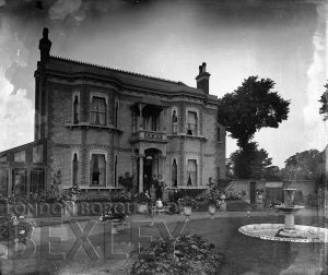 DEW033 'Marshal-Neil', Main Road, Sidcup c.1900