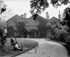 DEW040 The Tolhurst Family, The Grange, Sidcup c.1900