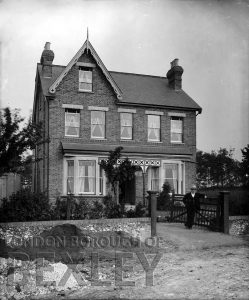 DEW047 A House in Sidcup (location unknown) c.1900