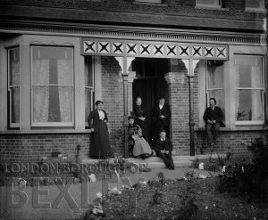 DEW066 Family Portrait at Rear Garden of a House, Sidcup c.1900