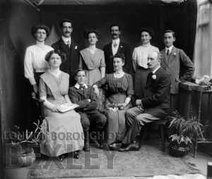 DEW067 Formal Family Portrait c.1900