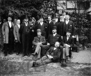 DEW069 Formal group portrait of gentlemen c.1900