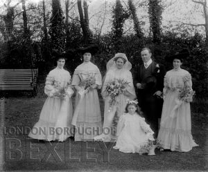 DEW074 Family Wedding Portrait c.1900