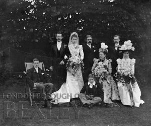 DEW077 Family Wedding Portrait c.1900