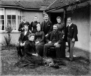 DEW084 Family Portrait c.1900
