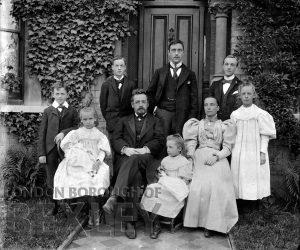 DEW104 Outdoor Family Portrait c.1900