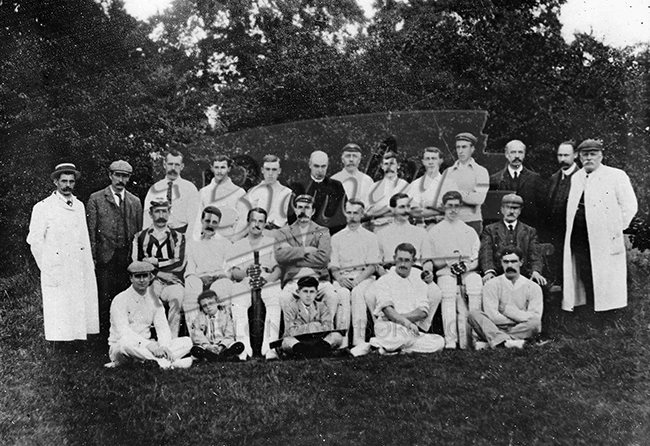 PHLS_0137 Group photo of cricket team,West Wickham c.1900