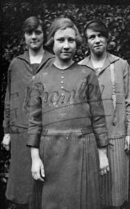 Three young women, West Wickham c.1920