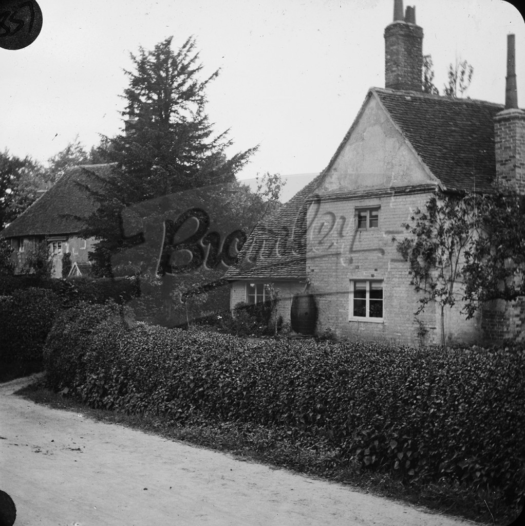 Yew Tree Cottage, Kevingtown