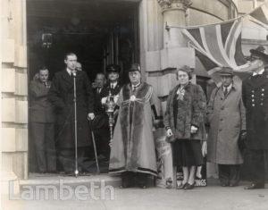 WARSHIP WEEK, LAMBETH TOWN HALL, BRIXTON : WORLD WAR II