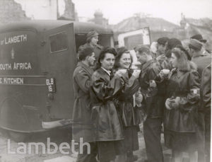 FRENCH FORCES VISIT, BRIXTON : WORLD WAR II