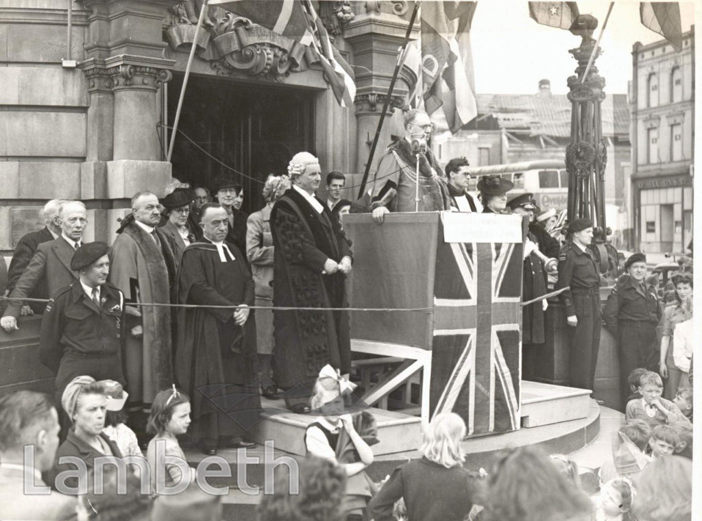 V.E. DAY, LAMBETH TOWN HALL,BRIXTON : WORLD WAR II