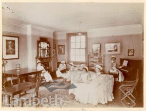 ROYAL WATERLOO HOSPITAL, WATERLOO: NURSES SITTING ROOM
