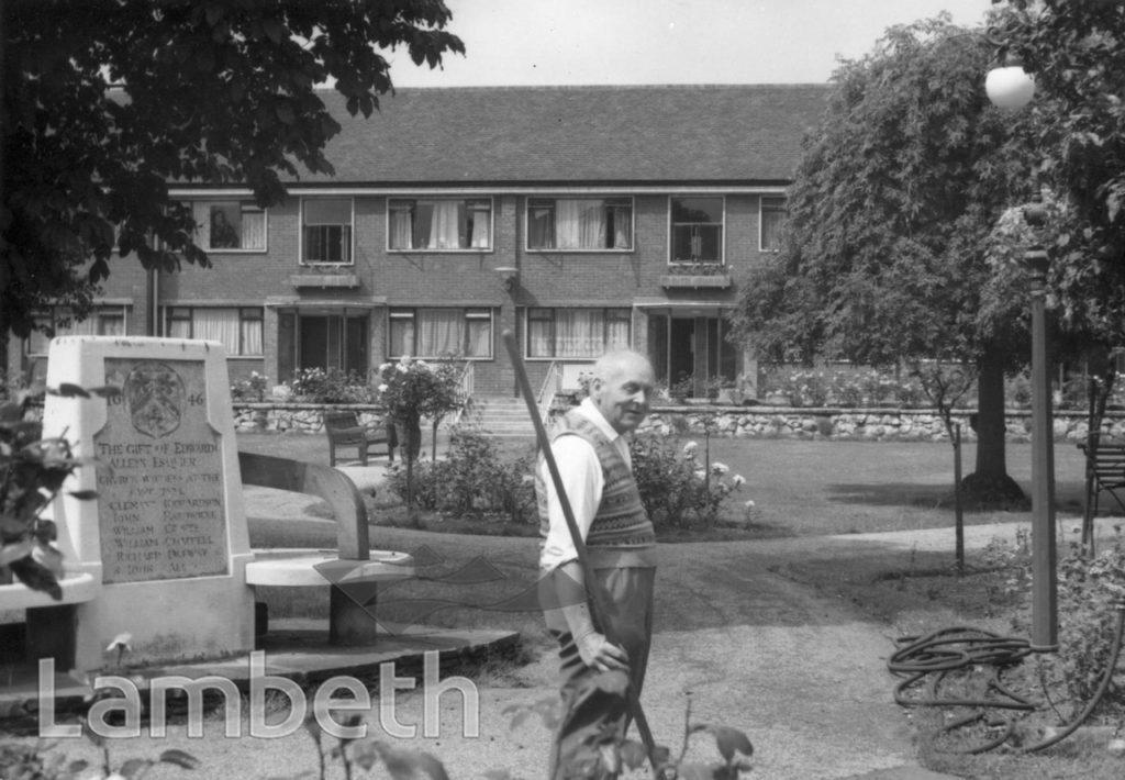 ST SAVIOUR'S COLLEGE ALMSHOUSES, HAMILTON ROAD