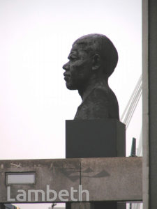 NELSON MANDELA STATUE, SOUTH BANK, WATERLOO