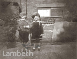 CHILDREN IN OLD PARADISE STREET, LAMBETH: WORLD WAR II