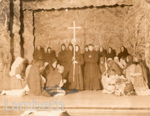 ST LEONARD'S CHOIR IN PAGEANT PLAY