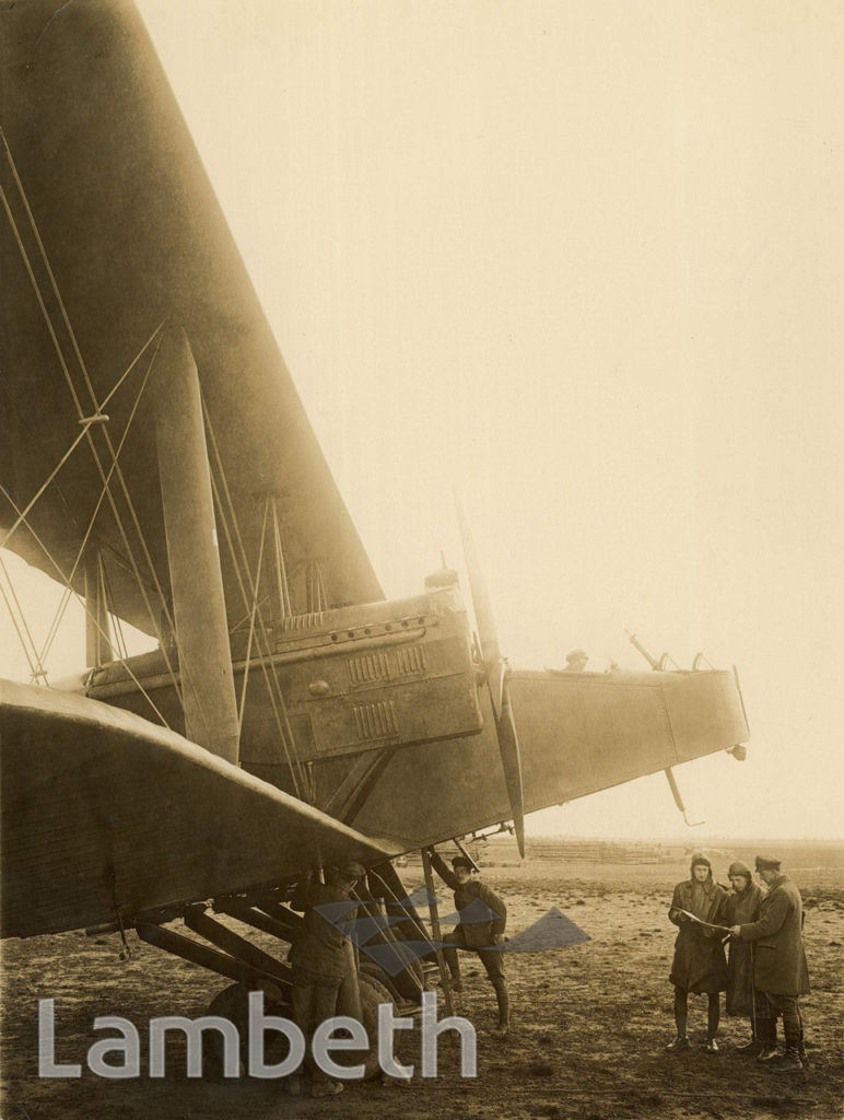 OFFICIAL WWI PHOTOGRAPH: ROYAL AIRFORCE BOMBER