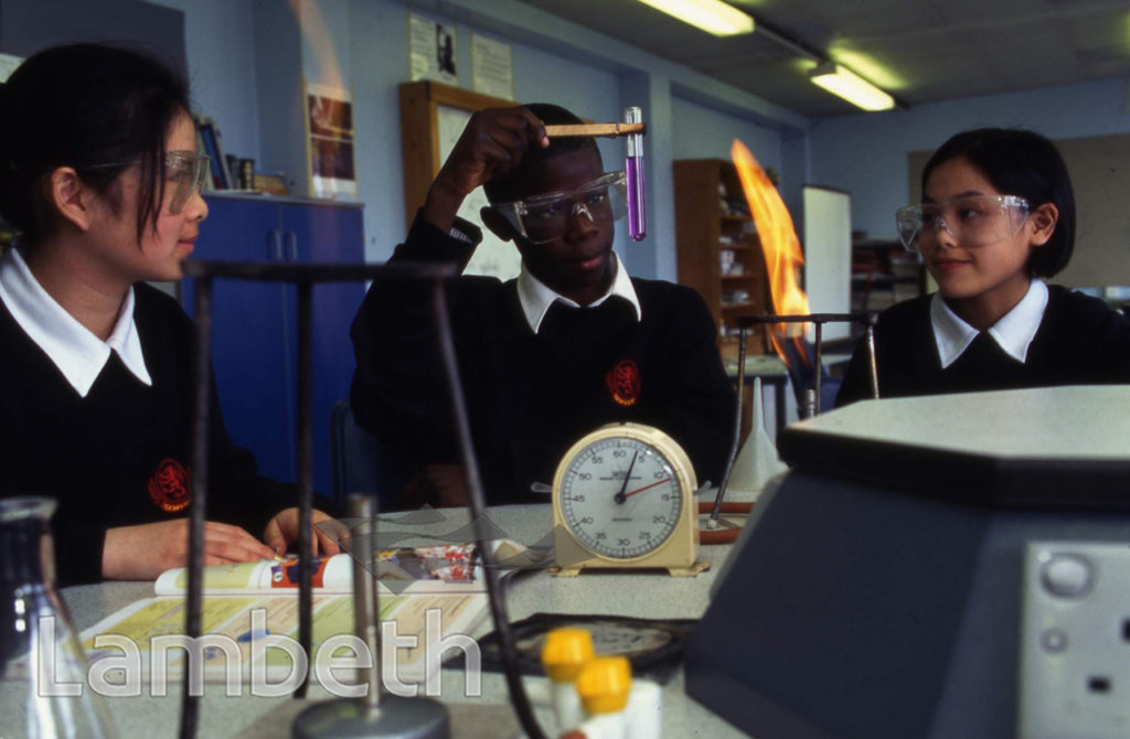 SCIENCE CLASS, STOCKWELL PARK SCHOOL, STOCKWELL