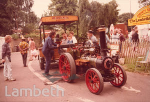 STEAM TRACTION ENGINE, LAMBETH COUNTRY SHOW, BROCKWELL PARK
