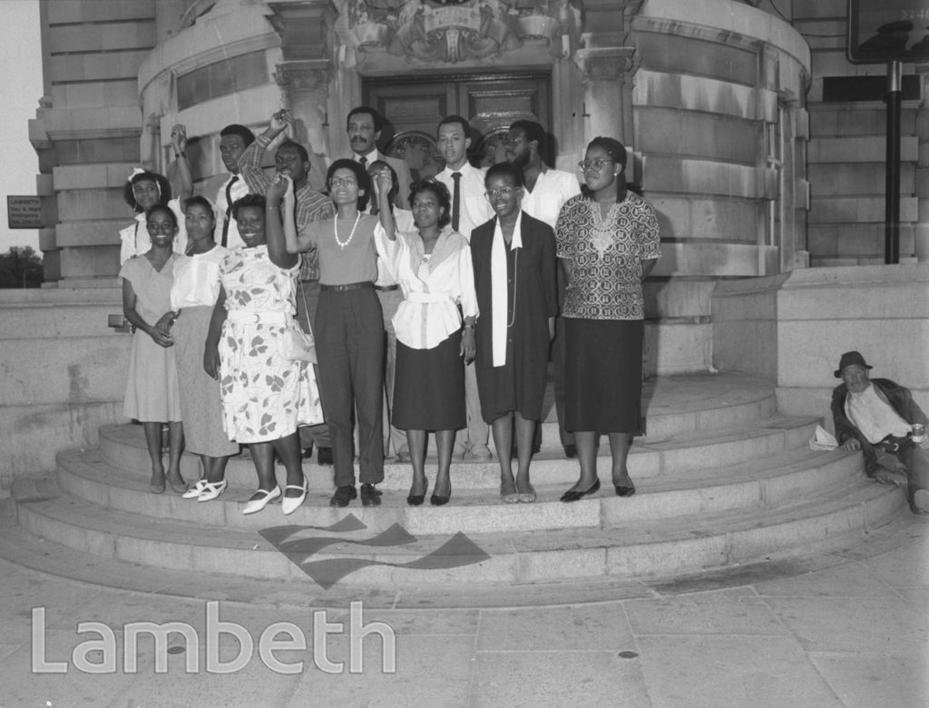 LINDA BELLOS & JAMAICAN STUDENTS, TOWN HALL, BRIXTON