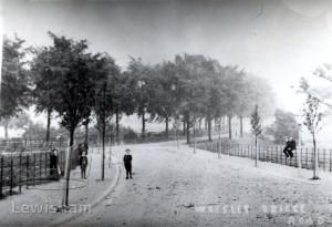 Worsley Bridge Road