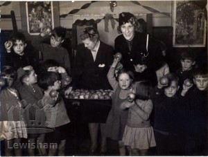 Childeric Road School Deptford – Children's party given by children of Canada