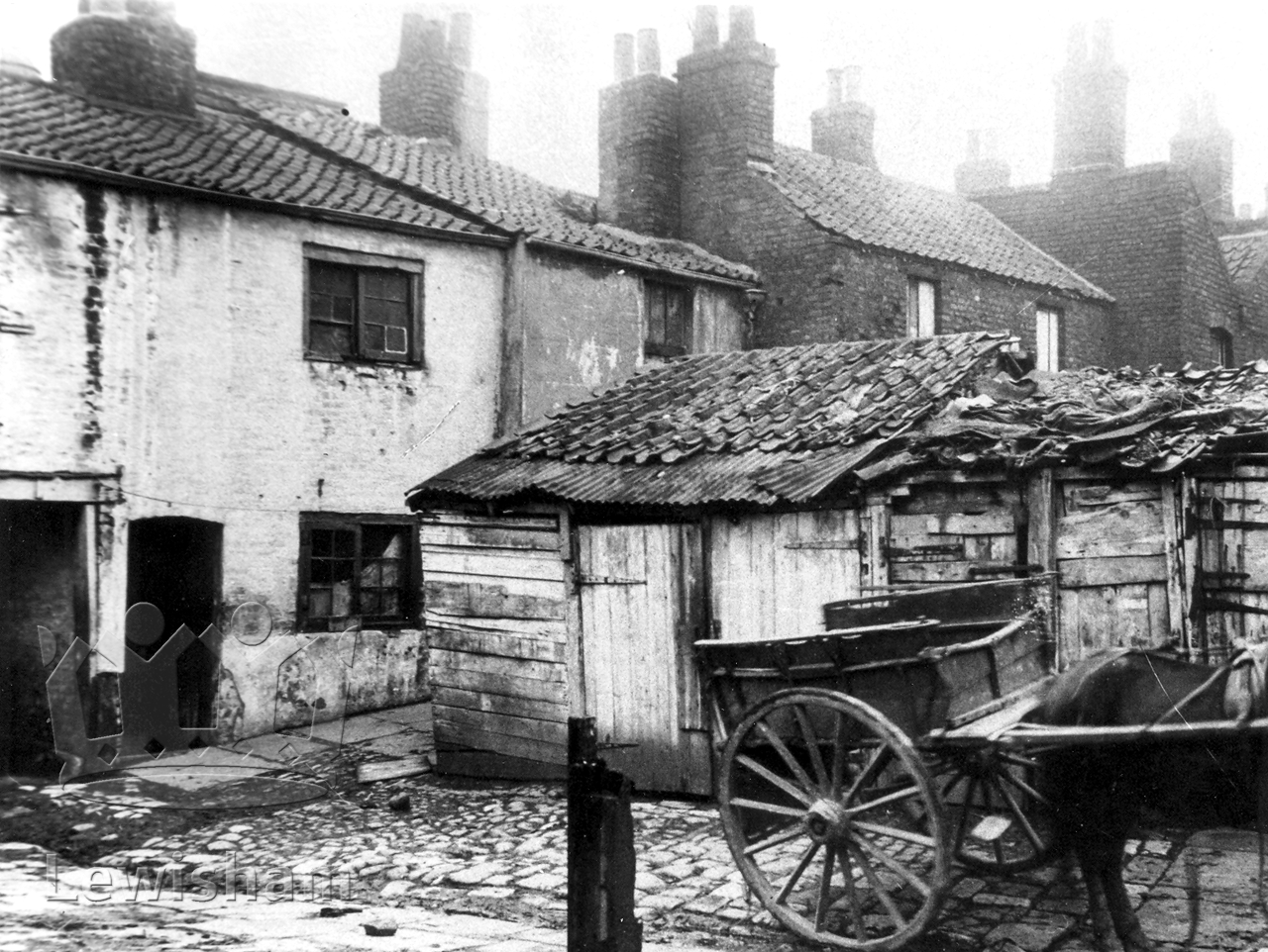 X4 >> Deptford, Backyards Of Houses In Old Mill Lane - Lewisham Borough PhotosLewisham Borough Photos