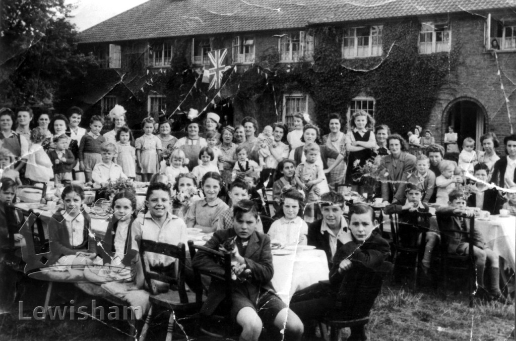 VE Day party, Oakridge Road, Downham