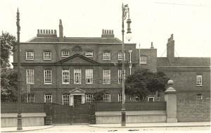 Brentwood Lunatic Asylum from street