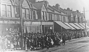 Ration Queue Forest Road Walthamstow c 1917