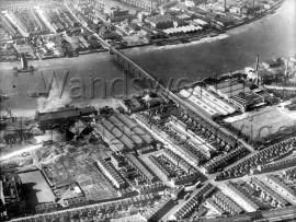 River Thames, Wandsworth Bridge, part of the Gas Works, York Road, junction with Warple Road, Jews Row and Eltringham Street  –  C1925